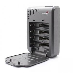 Зарядное устройство 4x18650, 16340 TrustFire TR-003